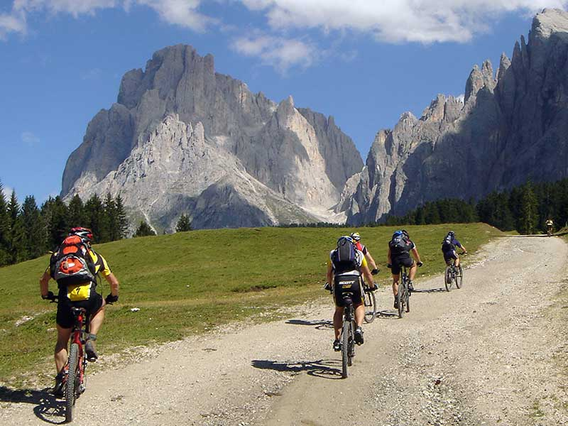 MTB Transalp Dolomiten mit Go Crazy MTB-Reisen